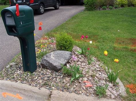Mailbox Garden Ideas Mailbox Garden Garden Ideas And Landscapes On