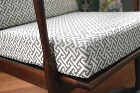 Upholstery How To Do Corners by How To Make Box Cushions With A Zipper Ofs Maker S Mill