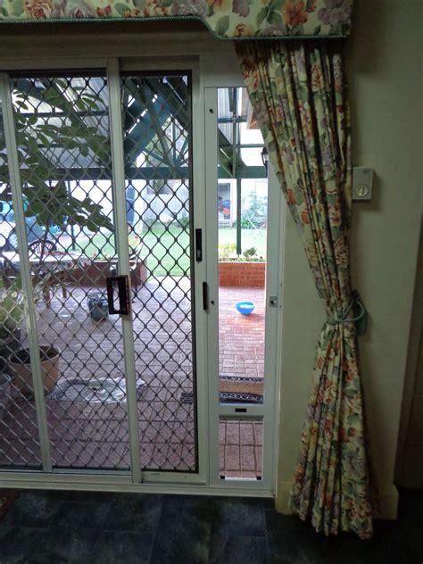 Patio Screen Door With Pet Entrance Pet Door With Screen Door Adapter To Buy Pinterest Pet Door Screens And Doors