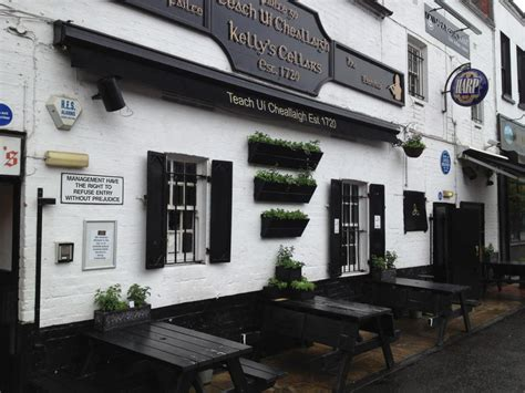 top 10 bars in belfast best bars in belfast to get a pint of guinness