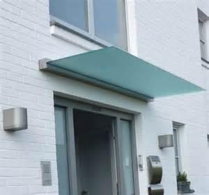 haus vordach das vordach dura verleiht jedem hauseingang einen modernen