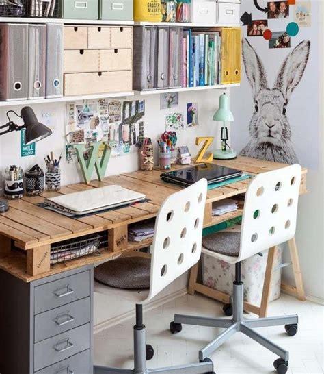 scrivania fai da te legno arredo ufficio con pallet e alcune soluzioni originali fai