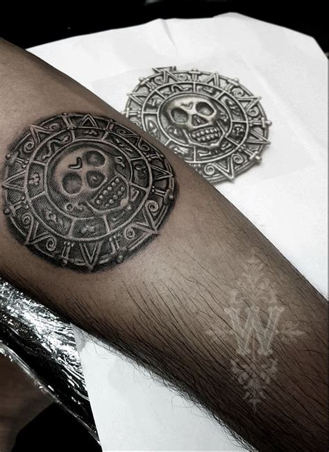 medallion tattoo 35 best hippie website images on compass