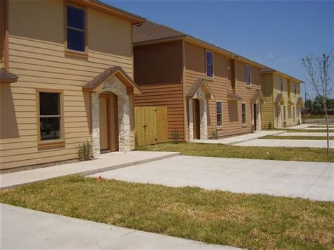 one bedroom apartments in harlingen tx 20502 oak hollow ln harlingen tx apartment finder