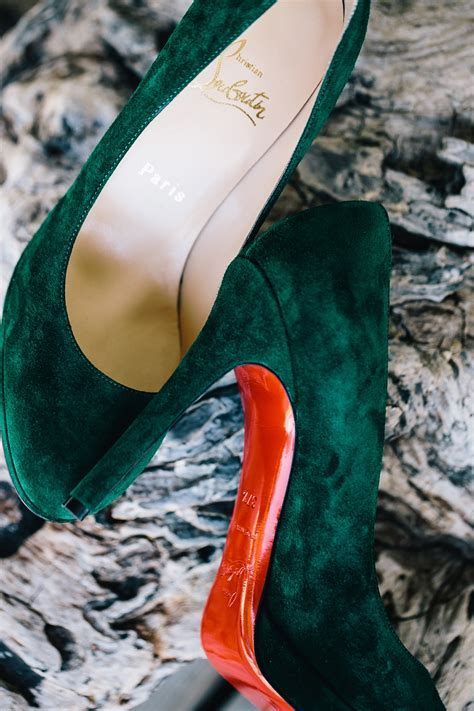 Wedding Color Palette Ideas: Dark Green & Emerald   Inside