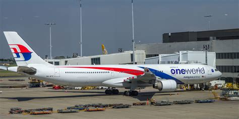 Malaysia Airlines One World Airbus A330 Passenger Airplane Metal Dieca malaysia airlines oneworld commitment travelupdate
