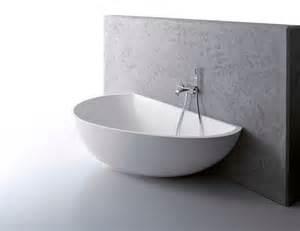 badewanne wand 30 moderne badewannen die sie sicherlich faszinieren