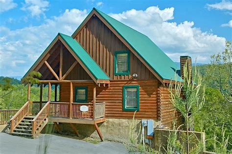 6 Bedroom Cabins In Pigeon Forge | 6 bedroom cabin in heart of pigeon forge vrbo