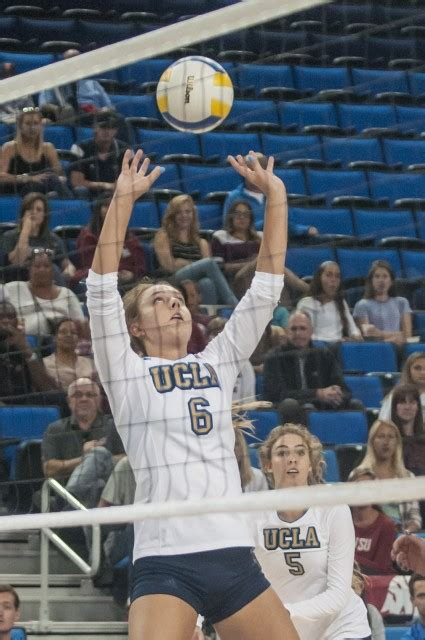 setter definition volleyball women s volleyball to face top 25 teams after tough losses