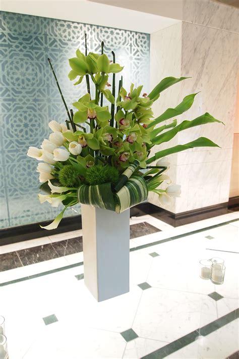 house decor flowers http refreshrose blogspot com home decor contemporary flower arrangements on pinterest