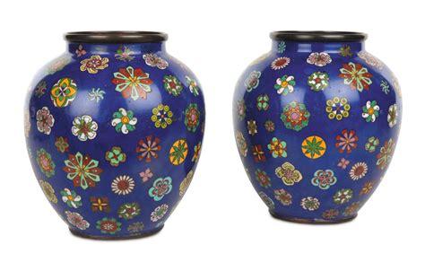 vasi cloisonne coppia di vasi cloisonn 232 a fondo a decoro policromo