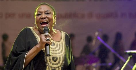 miriam makeba biography facts childhood family achievements  south african musician