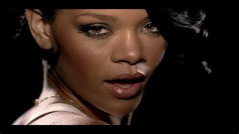 Rihanna Worldwide Launch Of Umbrella Feat Z 5 Pm Est Today by Rihanna Umbrella Web Master 540p Sdmania Sharemania Us