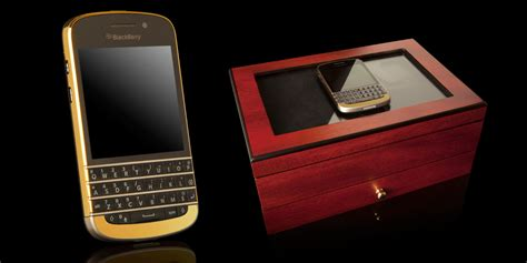 Casing Black Berry Q10 Gold gold blackberry q10 now available at 163 1 597 2 474 1 884