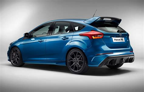 ford focus rs 2016 enters hyper hatch territory with