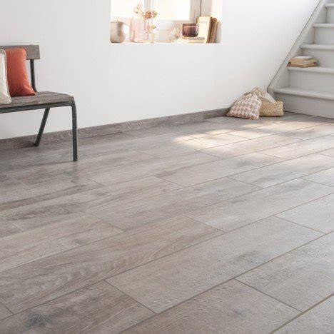 carrelage sol et mur gris effet bois heritage l 20 x l 80