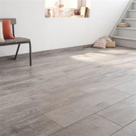 terrasse in 80 cm carrelage sol et mur gris effet bois heritage l 20 x l 80