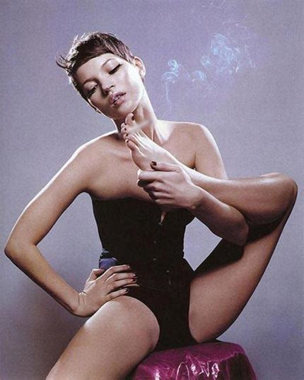 Kate Moss Weathered For Fhm by Sports Illustrated Bell J Lo Im Into You Culos Negros