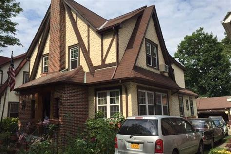 trumps hpuse in new york donald trump s childhood queens home finds a renter in