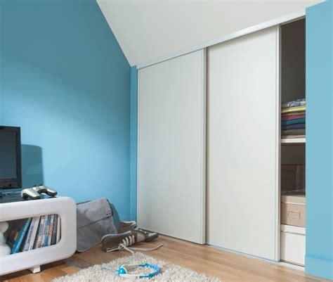couleurs chambre gar輟n de quelle couleur peindre une chambre couleur bleu dans