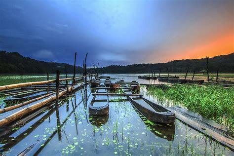 tamblingan lake lake  bali thousand wonders