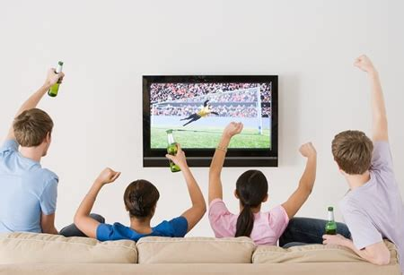type of sport that fans watch on tv on thanksgiving hoeskies on sports watch football in hd or reality