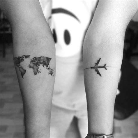 couple tattoo travel les 25 meilleures id 233 es de la cat 233 gorie tatouages de globe