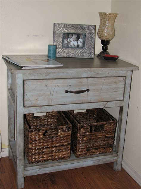 white farmhouse bedside table diy projects