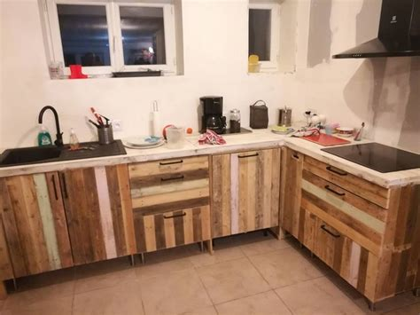 Reused Kitchen Cabinets Brilliant Ways To Make Cool Projects With Pallets Recycled Things