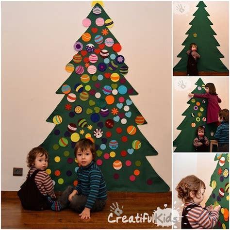 apreciamos un rbol de navidad hecho de nieve en su inferior con 6 225 rboles de navidad para espacios peque 241 os ideas de
