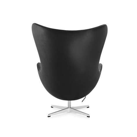 egg armchair egg armchair in black leather by fritz hansen lovethesign