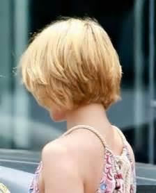 how to stlye a stacked bob with wavy hair short stacked haircuts