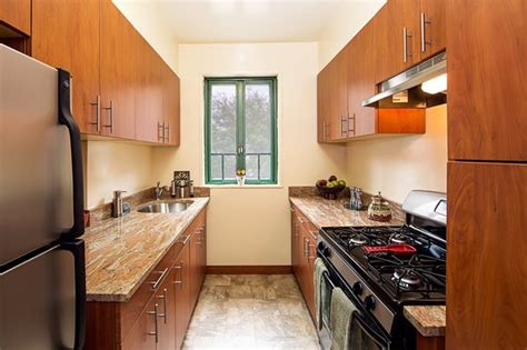 bedroom rental  wood  parkchester posted  carlos