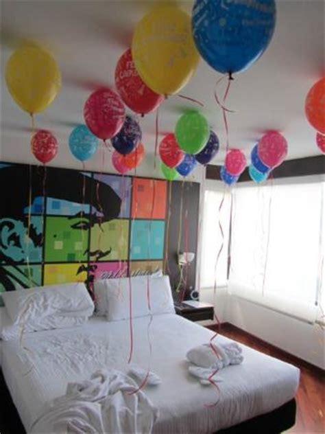 cuarto decorado con fotos y globos decoraci 243 n con globos contratada por cumplea 241 os picture