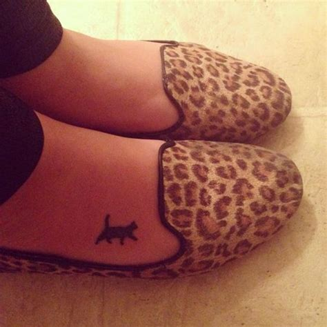 cat foot tattoo designs cat designs for most loved cat tattoos in 2018