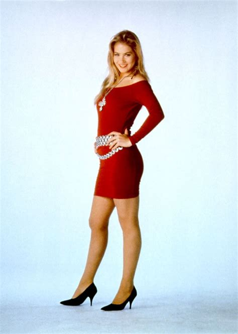 kelly bundys body kelly bundy outfits fashion icon of the 90s married
