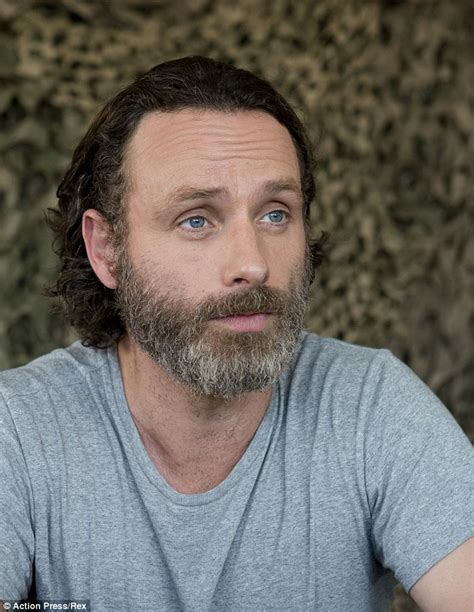 andrew lincoln burrow norman reedus jokes that he keeps andrew lincoln s beard