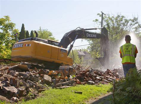 land bank beverly detroit land bank defends hiring of 760 an