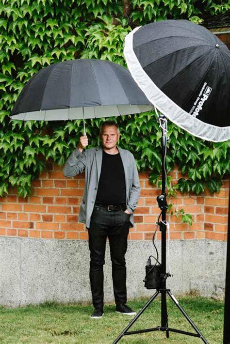 Outdoor Lighting Setup Outdoor Portrait With Two Umbrellas Stefan Tell Sweden