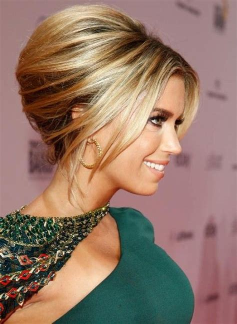 beehive hair styles for shoulder length hair the 25 best ideas about beehive hairstyle on pinterest