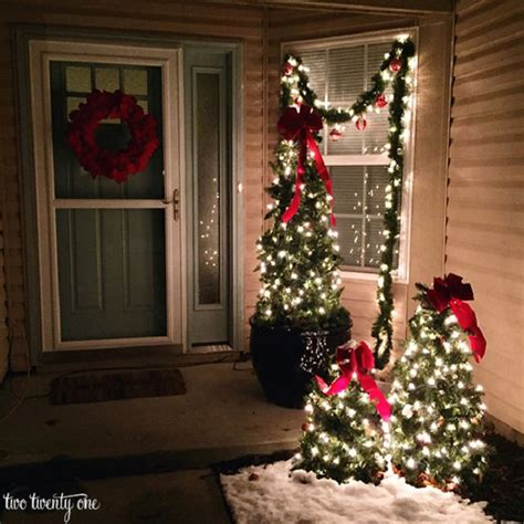 front porch christmas trees 27 cheerful diy christmas decoration ideas you should look