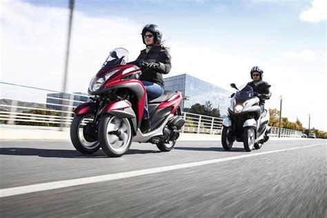 Motorrad Navi Neuheiten 2017 by Motos Scooter De Tres Ruedas Con Carnet De Coche