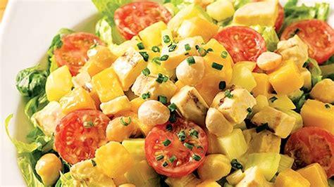 cuisiner mangue salade de poulet et mangue recettes de cuisine trucs et