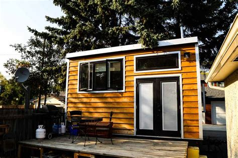 living big in a tiny house firefighter s self built tiny house is inspired by earthships video treehugger
