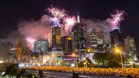 gold coast cracker melbourne new year s 2017 fireworks promise to be a
