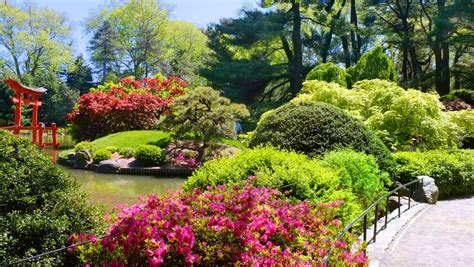 York Botanical Gardens Botanic Garden New York Usa Traveldigg