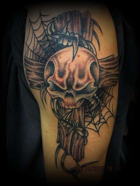 skull and cross tattoo
