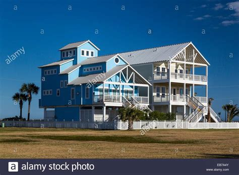Cabins In Galveston Tx by Vacation Homes On The Gulf Of Mexico On Galveston
