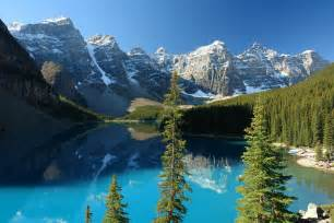 Moraine lake in banff national park canada