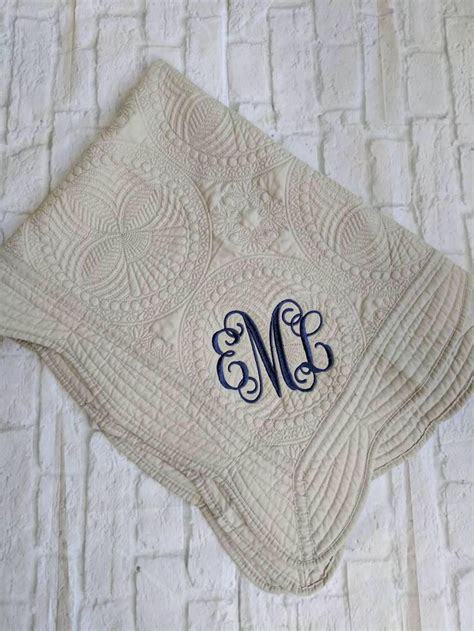 Monogrammed Baby Shower Gifts by Best 25 Monogrammed Baby Blankets Ideas On